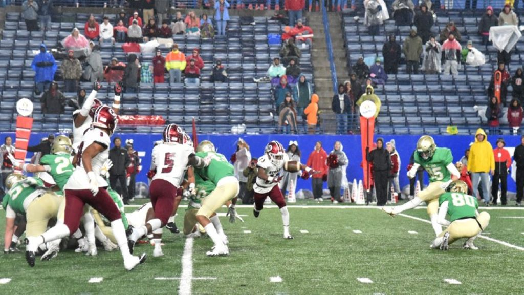 Buford's Hayden Olsen (85) hits the game-winning field in overtime during the GHSA AAAAA state championship game at Georgia State Stadium on Friday, December 13, 2019. Buford won 17-14 over Warner Robins. (Hyosub Shin / Hyosub.Shin@ajc.com)